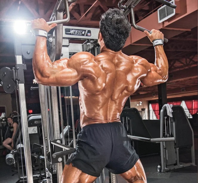 muscular-man-back-dianabol