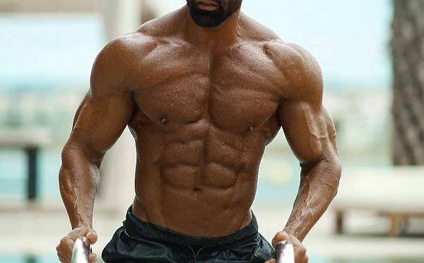 Liquid-Anadrol-muscular-man